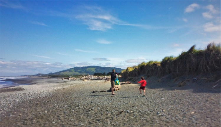 Taylor Family Beach Day at Pacific Reef Hotel Gold Beach Southern Oregon Coast