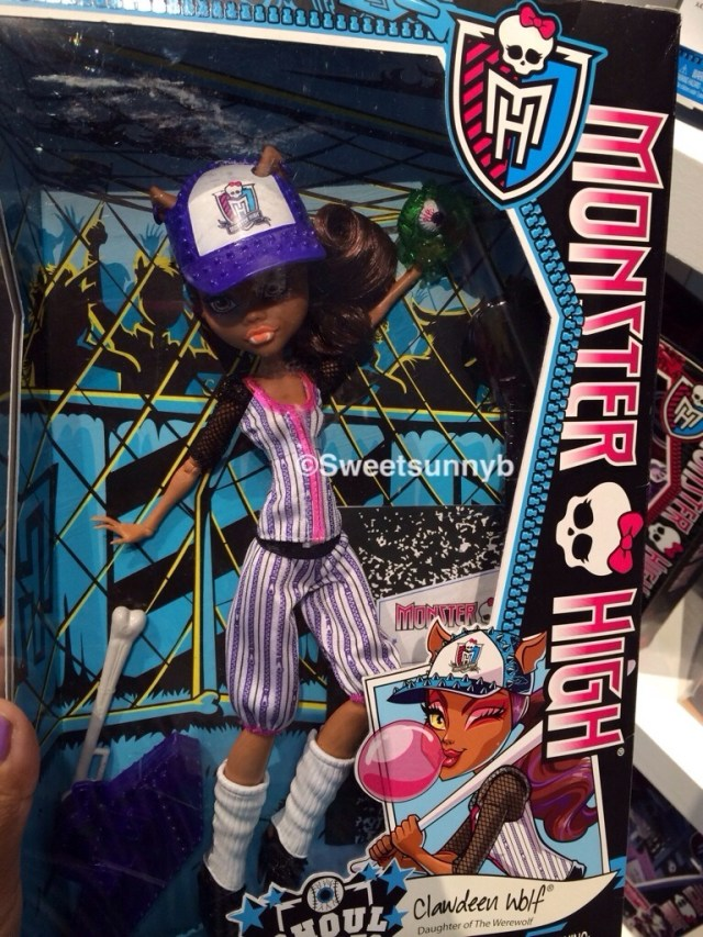 Clawedeen Wolf Monster High Ghoul Sports Baseball Toy Fair New york 2014