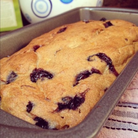 healthy-blueberry-banana-bread