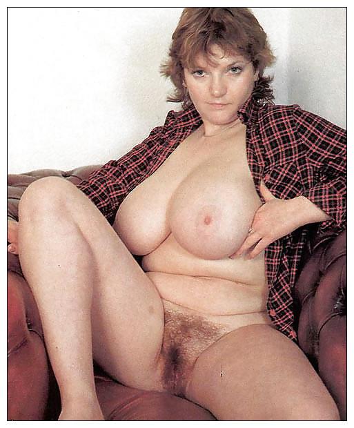 Retro natural boobs