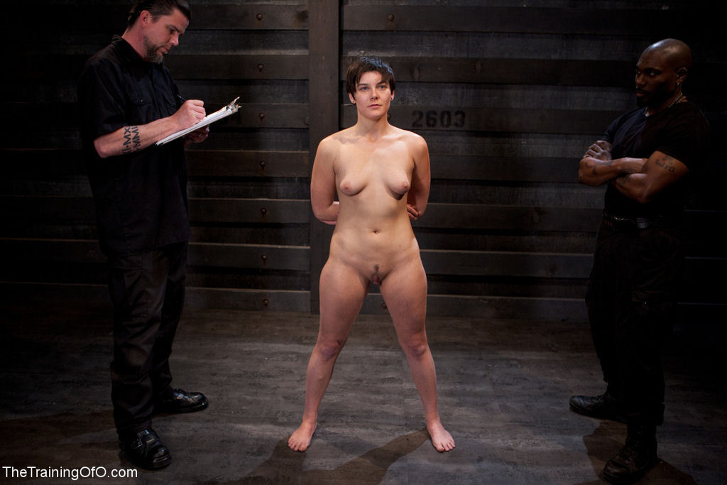 Naked slave girl halle von is in town on