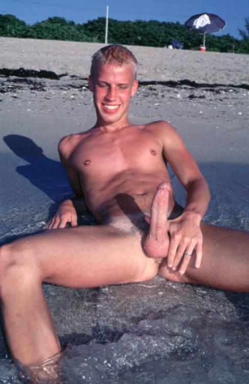 oiled down gay ass tgp