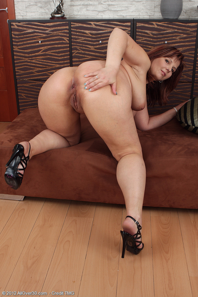 Thick Mature Milf Pawg