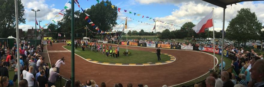 Ashmore Park was looking spectacular for the final. Photo by Robert Sellick.