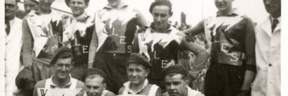 Ron Evans second from left back row.