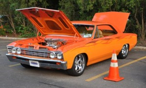 Cruise Night Thursdays in the Village of Barrington
