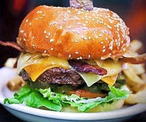 Post - Mandiles Gourmet Burger Thursdays