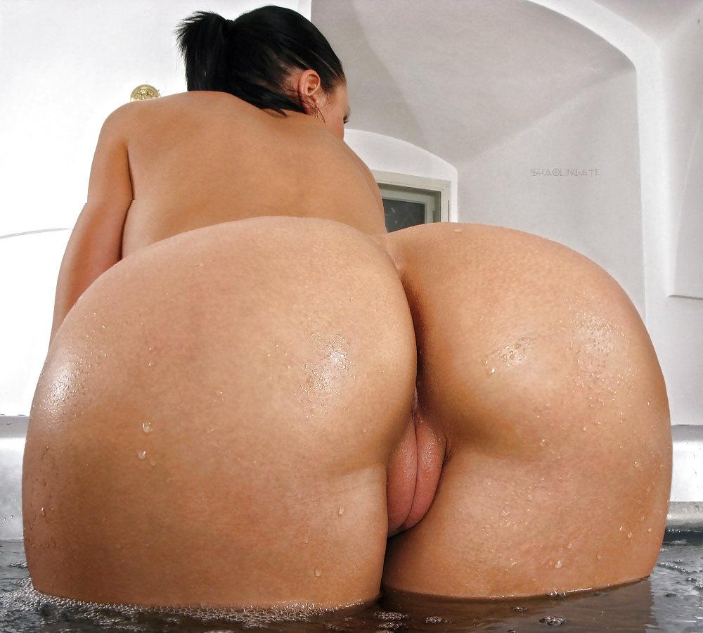 wide hips attractive ass