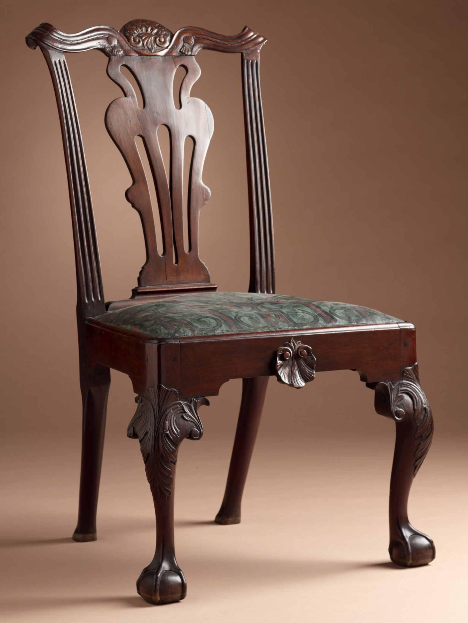 3d-Interior-Traditional-Furnished-Chair