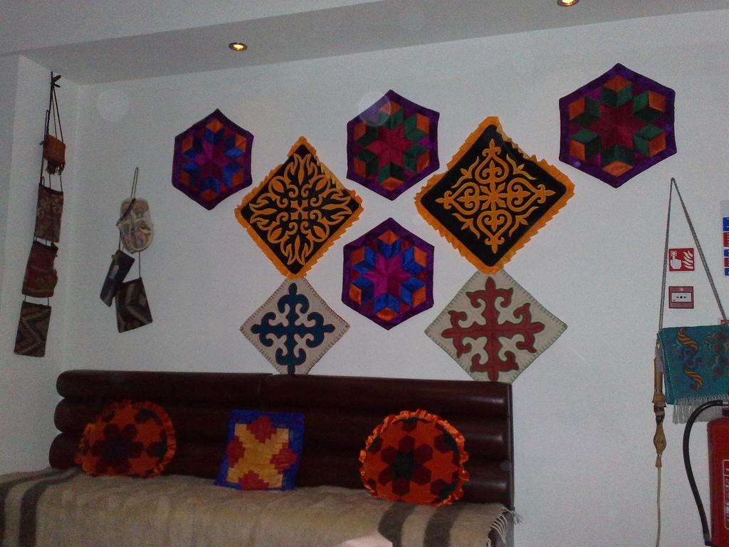 3d-Rendering-Ethnic-Wall-Hangings