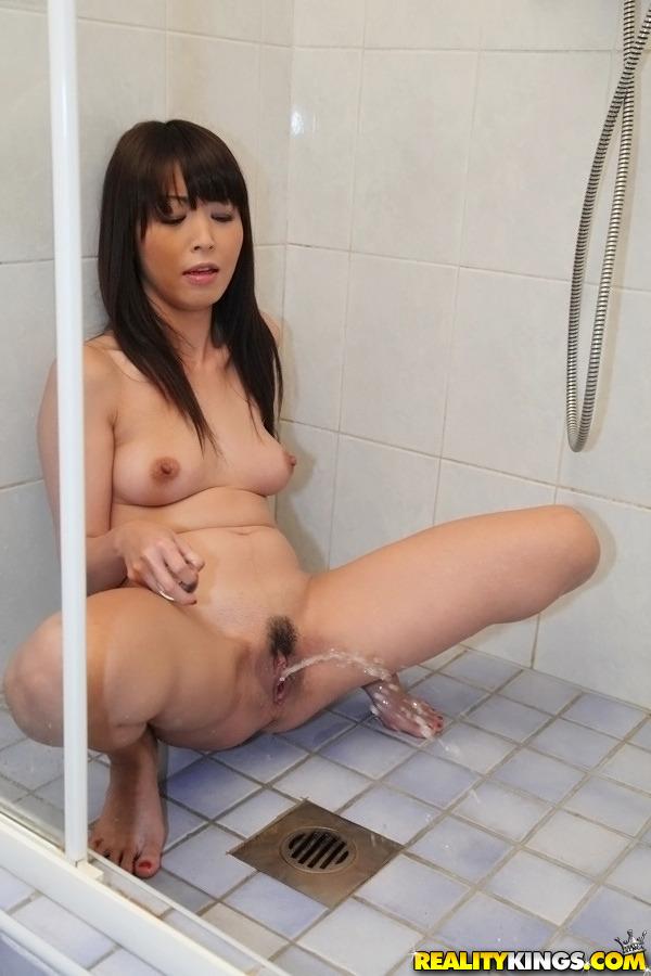hot girls pissing