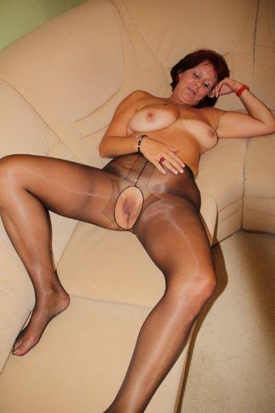 curvy crotchless pantyhose