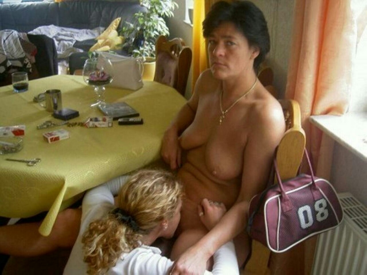 bad parenting nude mom