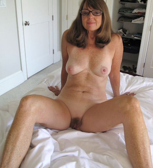 very old oma granny naked
