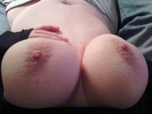 chubby spread selfie