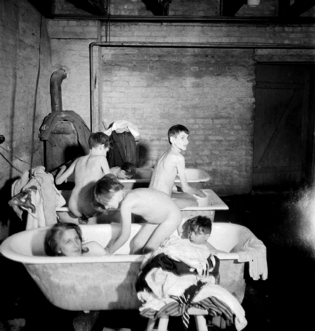 teenage jewish girls naked