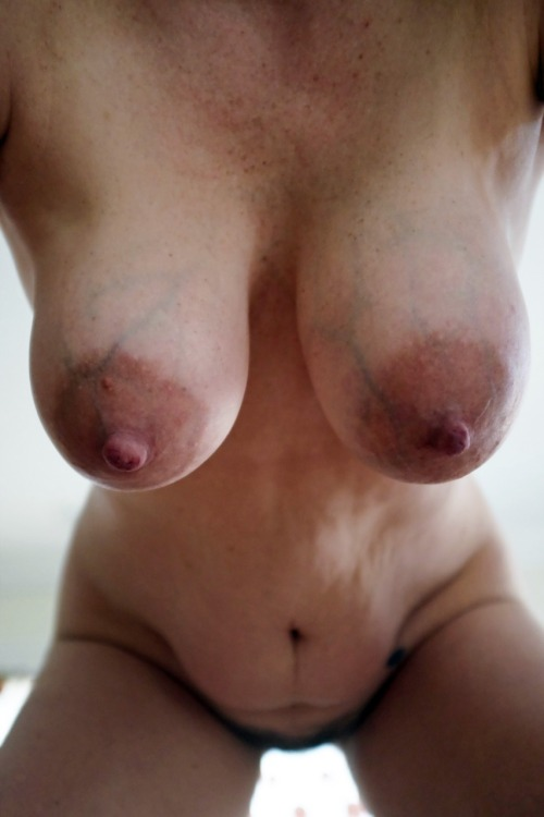 hangin tits
