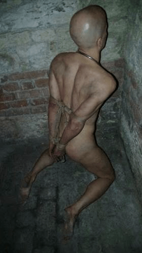 naked drawing prisoners