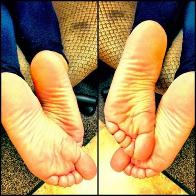 deviantart feet soles