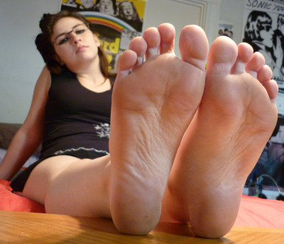 feet soles close tumblr