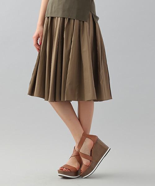 履くだけでカワイイ♡春にはきたい「プリーツスカート」その3