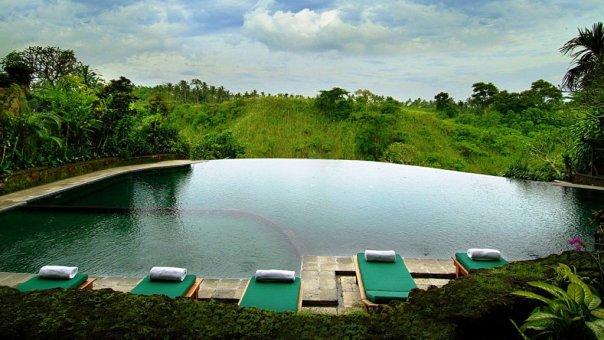 бассейн hanging gardens