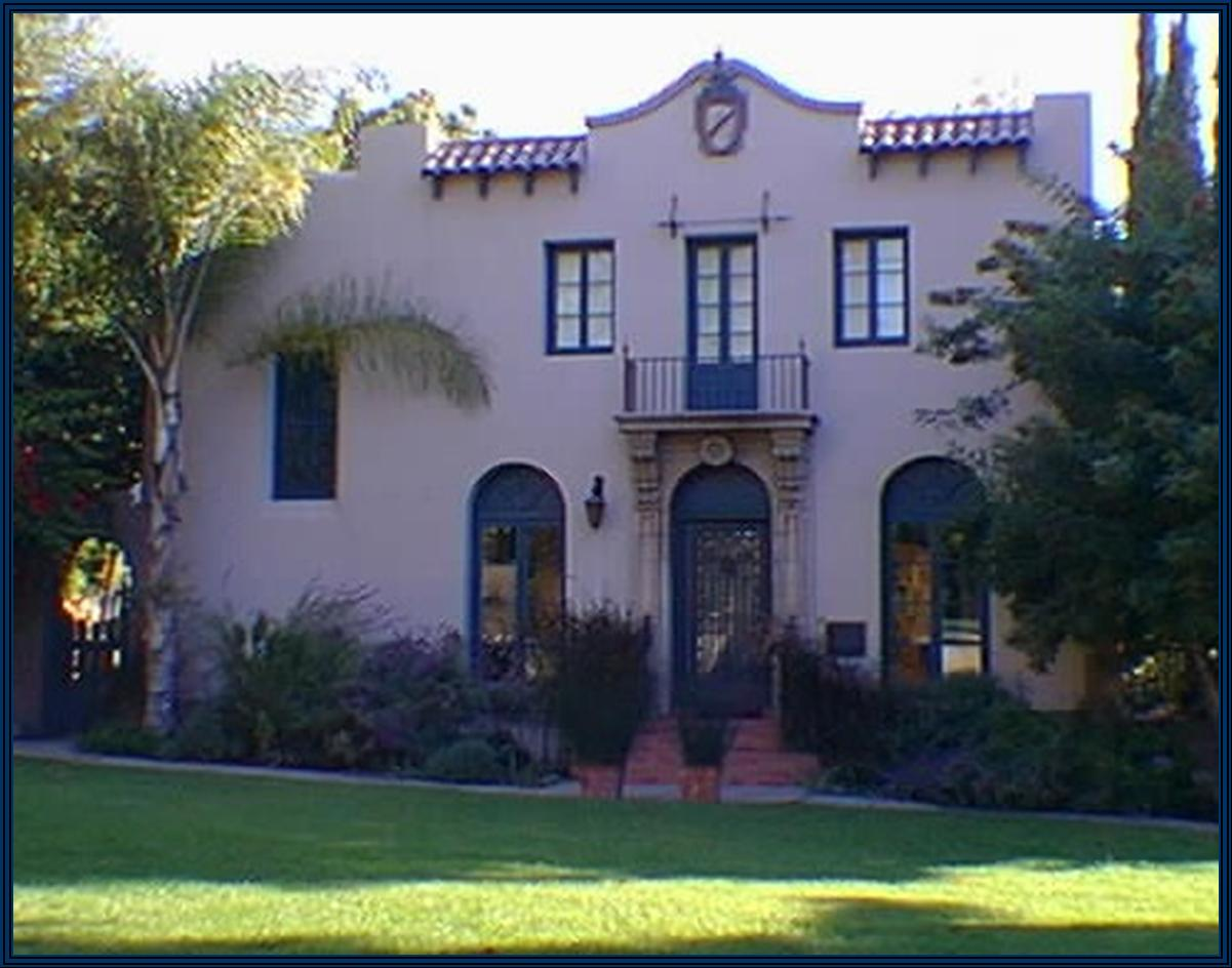 Magnificent Spanish Home Home Alone Sale Spanish Spanish Colonial Revival Victorian Farmhouse Spanish Colonial Revival Monrovia Homes houzz-02 Home In Spanish