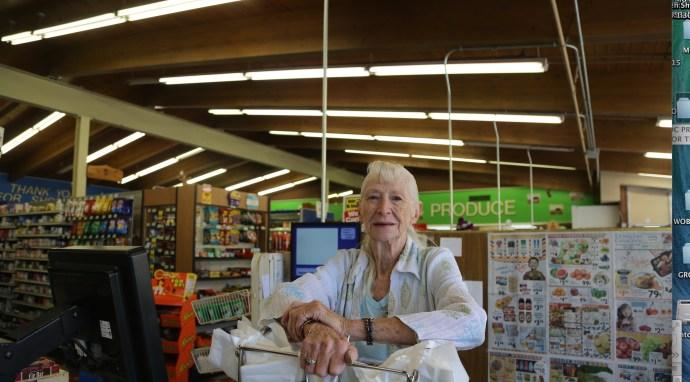 Bonnie grocery store clerk