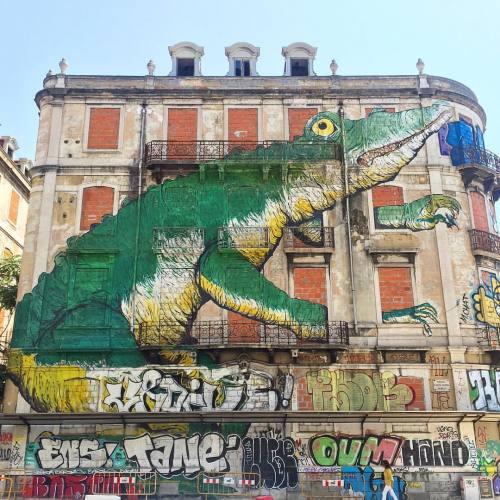impermanent-art:  Ericailcane in Lisbon.