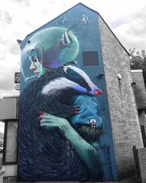 streetartglobal:  @lewisquerelle beautiful piece for the festival if the mind. #globalstreetart #graffiti #badger #wallart http://globalstreetart.com/lewisquerelle https://www.instagram.com/p/BLUbanqAfP2/