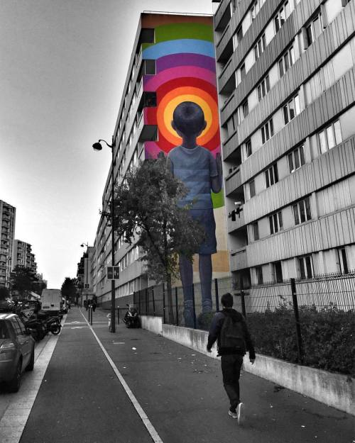 streetheart-serendipity:  🔹Looking at the window🔹Work by @seth_globepainter #streetart #paris #parisstreetart #streetartparis #graffiti #urbanart #wallpainting #streetartist #graf #rsa_graffiti #dsb_graff #tv_streetart #streetartistry #streetartandgraffiti #parismaville #wallporn #streetarteverywhere #streetartfrance #streetphotographer #streetphoto #urban #streetlife #urbanandstreet #ig_streetphotography #seth #imjustpassing #tv_strideby (à Paris 13.)