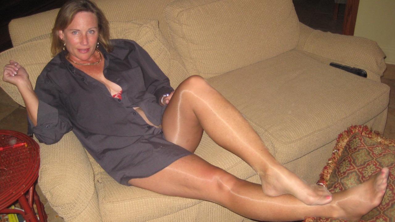 lori mrs l leg show pantyhose   hot girls wallpaper
