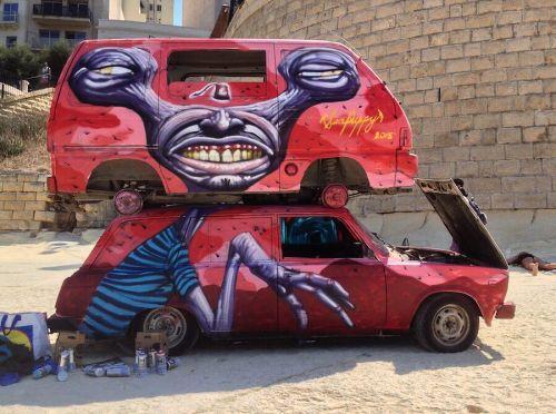 streetartglobal:  Trippy! By @seapuppy_ (globalstreetart.com/seapuppy) #globalstreetart #walls #artists #paintedcities https://www.instagram.com/p/BFb3o65AEGj/
