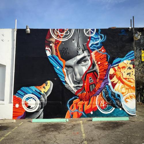"impermanent-art:Tristan Eaton's ATOM mural for The CW's ""Legends Of Tomorrow"". Behind Meltdown Comics in Hollywood."