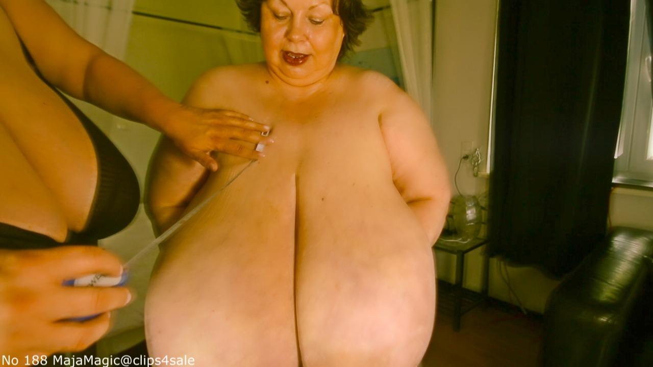 Karola big boobs video