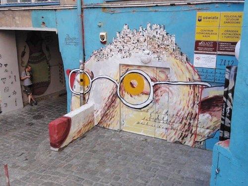 streetartglobal:  By @johannesmundinger (globalstreetart.com/johannes-mundinger) #globalstreetart #paintedcities #urbanwalls #streetart https://www.instagram.com/p/BFtC3ikAEOB/