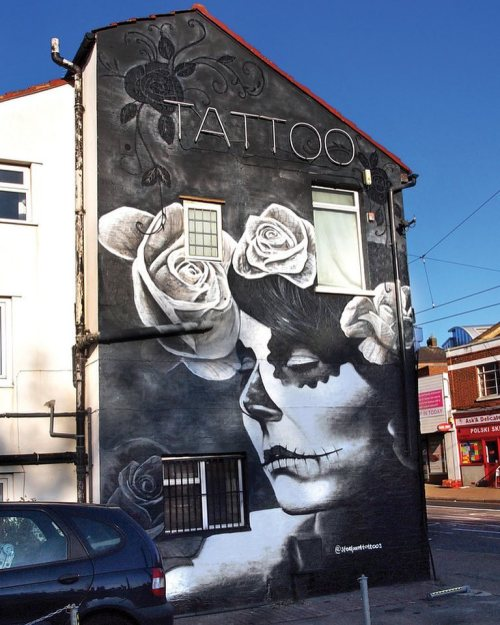 streetartglobal:  An old favourite by @gnashermurals http://globalstreetart.com/gnasher#globalstreetart #gnashermurals #mural #wallart #streetarteverywhere #uk https://www.instagram.com/p/BLMEN4mj7Sa/
