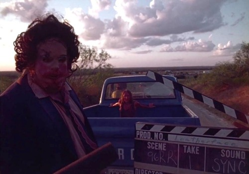 noisemx:  error888:Before filming the last scene of THE TEXAS CHAINSAW MASSACRE (1974) : MoviesinthemakingGunnar Hansen as Leatherface & Marilyn Burns as Sally Hardesty. Iconic.