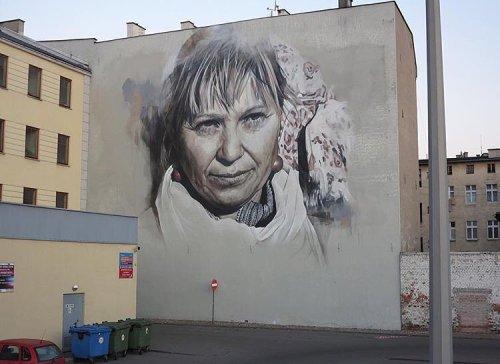 powwowblog:  New mural by @guidovanhelten in Grudziadz, Poland for @urban_forms.