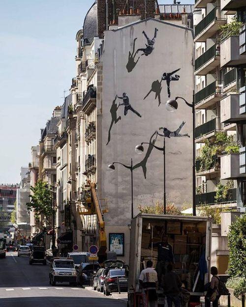 powwowblog:  New mural by @andersgjennestad in Paris, France for @galerie_mathgoth.