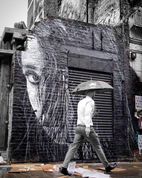 streetartglobal:  New from @nilsrva in London / Photo by @D7606 (http://globalstreetart.com/nilswestergard) #nilswestergard #globalstreetart https://www.instagram.com/p/BLhMjGVguLH/