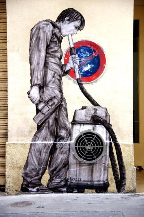 widewalls-artmagazine:   Brilliant new piece by Levalet in Paris  http://www.widewalls.ch/artist/levalet/