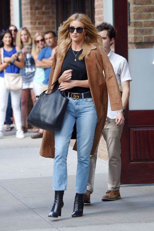 celebstylesss: Rosie Huntington-Whiteley spotted in New York