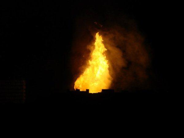 Сильный пожар охватил центр Москвы