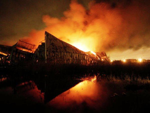 На севере Москвы горит промзона