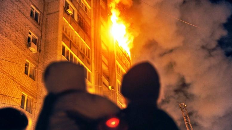В Харькове пожар уничтожил текстильную фабрику