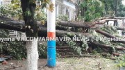 На город Армавир Краснодарского края обрушился сильный ураган