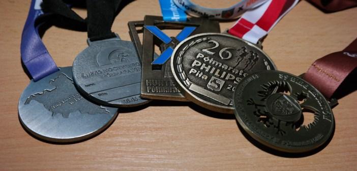 Medale zdobyte podczas biegów - 90sekund.pl