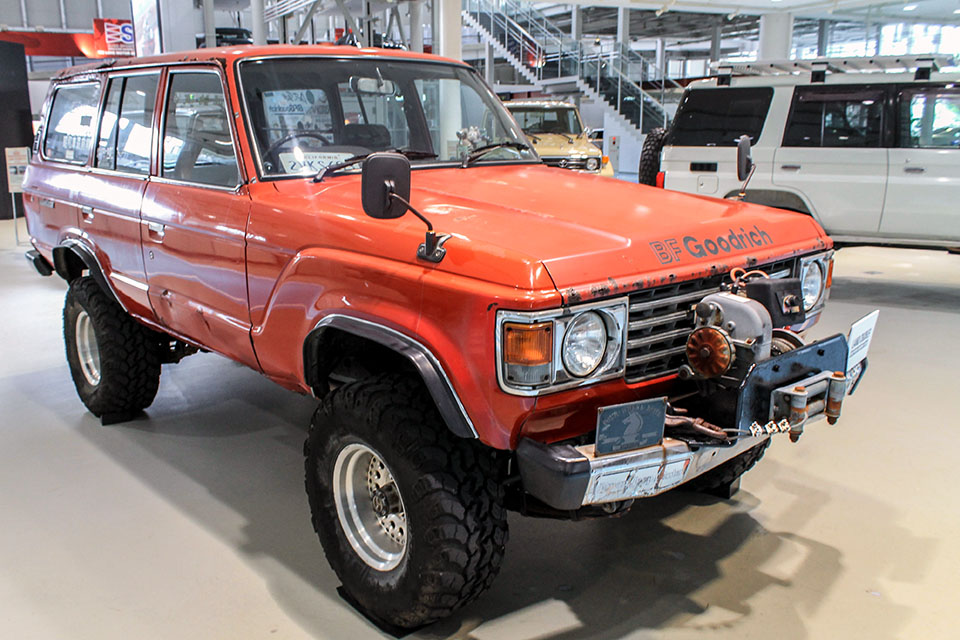 Land Cruiser Motor Show in Tokyo celebrates Japanese re-release of 70-Series - Toyota Land Cruiser FJ60 81