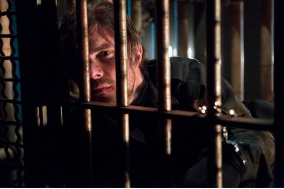 Arrow-Image-Oliver-Imprisoned